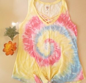 Tie dye knotted top ✌🌻